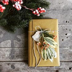 """Martina Valešová on Instagram  """"Vianočné darčeky už mám zabalené. Aj takto  😍🤓🎁🎄.  organizatorkask  vianocnedarceky  darcekovebalenie  giftwrapping  ... cef426ba5b3"""