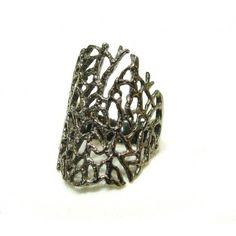 black rhodium seafan ring.    kirakirajewelry.com