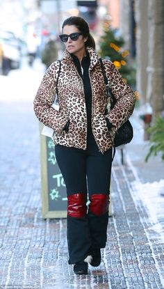 Snow bunny:Maria Shriver looked incredible as she strolled around the streets in Aspen, C...