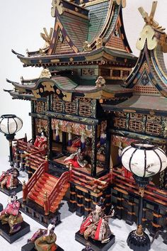 Massive Japanese dollhouse for Hina Matsuri Miniature Furniture, Dollhouse Furniture, Barbie Furniture, Miniature Houses, Miniature Dolls, Dollhouse Dolls, Dollhouse Miniatures, Victorian Dollhouse, Modern Dollhouse