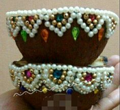 Wedding Crafts, Diy Wedding, Wedding Events, Weddings, Art N Craft, Craft Work, Engagement Decorations, Wedding Decorations, Coconut Decoration