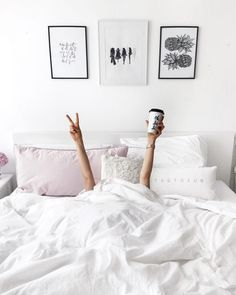 OFF ❤️ Today stay in bed ! Morning Mood, Happy Morning, Sunday Morning, Home Interior, Decor Interior Design, Shotting Photo, Stay In Bed, Trendy Bedroom, Comfy Bedroom