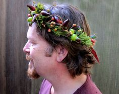 Awesome! I briefly considered making head wreaths for guys at the Hobbit party!