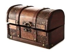 Vintage wooden chest! Wanting fun, old items like this around, serving some functional purpose...