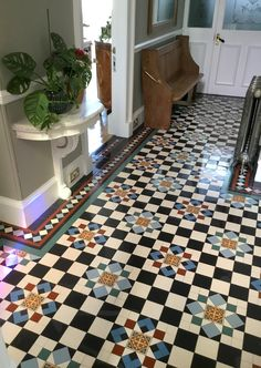 Cool 38 Newest Rooms Design Ideas With Beautiful Tile Floors To Have Victorian Hallway, Victorian Tiles, Flur Design, Tile Design, Style At Home, Porch Tile, Tile Bedroom, Bathroom, Tiled Hallway