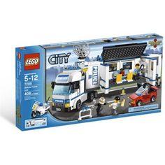 Lego City Mobile Police Unit  Mobil polis aracıyla maceraya atılın!   Soygunu tespit edin, motorunuzla soyguncuları yakalayın ve onları mobil istasyonun hapisanesine kapatın...