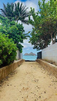 Oahu, HI   Visit Lanikai Beach after doing the Lanikai pillbox hike, multiple secret beach access points around the loop to visit! Beach Vacation Packing, Beach Vacation Outfits, Hawaii Vacation, Beach Trip, Beach Vacations, Beautiful World, Beautiful Places, Beautiful Ocean, Beautiful Pictures