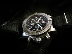 Breitling Chrono Avenger Ti E13360B