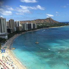 Working now #しごと #ハワイ #ホノルル #ワイキキ #honolulu #hawaii #waikiki #waikikibeach #ocean #sand #paradise #beach #luckytolivehawaii #aloha #instabeach #iger #igers #awesome #
