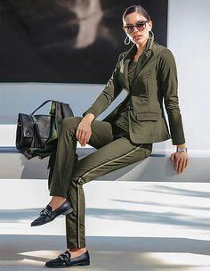Schlanker Jerseyblazer mit Ripsband-Akzenten, khaki, grün   MADELEINE Mode Österreich Madeleine Fashion, Band, Elegant, Suits For Women, Normcore, Luxury, Jackets, Outfits, Women's Suits
