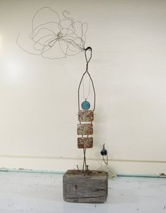 Breathe #Wire #Sculpture on Driftwood ©2014 idestudiet™ ART+EARTH All rights reserved