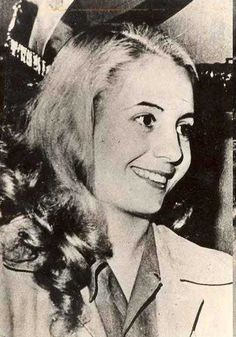photos of eva peron | Eva_Perón- She was so pretty all dressed up......But this is my favorite photo of her, where her beauty really shines! RIP