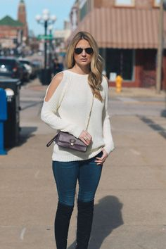The Bag That Charges Your Phone + Another Cold Shoulder Sweater | Style in a Small Town