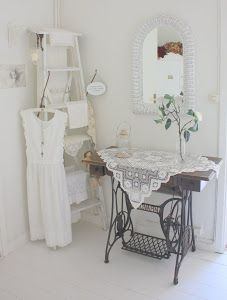 Inspiration :: I need to bring my old Singer in the house & crochet a pretty scarf to put on it.  From Hos Jorunn  #lacy #motif