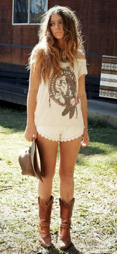 cute country concert outfit. For summer obviously :)