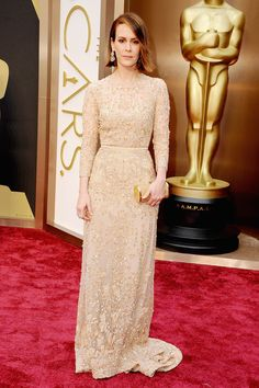 Elie Saab Haute Couture was a pretty choice for Sarah Paulson's Oscars red carpet moment. #academyawards