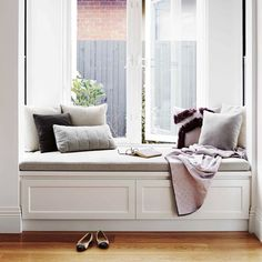 Modern Home Decor Bedroom Farmhouse Interior, Apartment Design, Home Decor Bedroom, Decoration, New Homes, House Design, Living Room, Interior Design, Inspiration