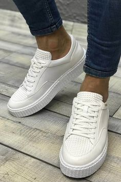 Best Sneakers, Casual Sneakers, White Sneakers, Casual Shoes, Sneakers Nike, Fashion Mode, Fashion Shoes, Mens Fashion, Top Shoes