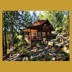 Moon Dance Cabin: Sunshine Coast Waterfront Cottage
