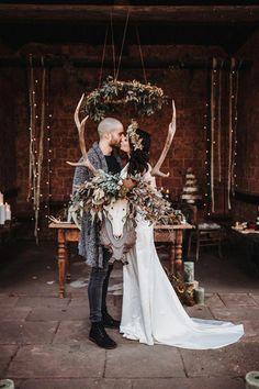 Wild & Green - inspirations for your boho wedding - Boho Chic Hochzeit I Bohemian Wedding - Grunge Wedding, Boho Wedding, Dream Wedding, Hippie Chic Weddings, Geek Wedding, Wedding Black, Trendy Wedding, Wiccan Wedding, Medieval Wedding