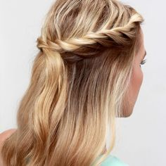 'Tis the season of weddings and festivals, so you are definitely going to want to take a peek at our summer must-try: the Twisted Crown Hair Tutorial!