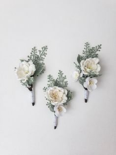 Are you having your wedding in a tropical area? You need to choose the best tropical wedding flowers for your special day. White Boutonniere, Rustic Boutonniere, Groomsmen Boutonniere, Corsage And Boutonniere, Neutral Wedding Flowers, Wedding Flower Guide, Floral Wedding, Fall Wedding, Wedding Table