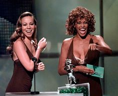 Singer Mariah Carey, left, and Whitney Houston present the award for Best Male Video during the MTV Video Music Awards, in Universal City, California on September Mariah Carey Whitney Houston, Whitney Houston Death, Mariah Carey Music, Beverly Hills, Mtv Video Music Award, Music Awards, Mtv Videos, Culture, Concert