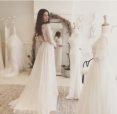Brautkleid, lange Arme, rückenfrei