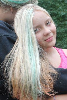 Using-Koolade-to-dye-hair