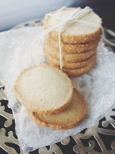 Last week, Mother Humble came through the door and thrust a half eaten cookie at m. Iced Shortbread Cookies, Shortbread Recipes, Biscuit Cookies, Chip Cookies, Baking Recipes, Cookie Recipes, Cookie Ideas, British Cookies, Chewy Chocolate Cookies