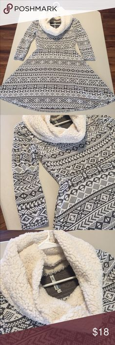 Dress w/scarf SM Dress w/ Scarf, very soft. Worn once. Dresses Long Sleeve