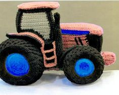 People who have favourited Remi Dear Tractor pattern by PrizLooks Crochet Car, Learn To Crochet, Crochet For Kids, Crochet Toys, Free Crochet, Baby Knitting Patterns, Amigurumi Patterns, Crochet Patterns, Beginner Crochet Projects