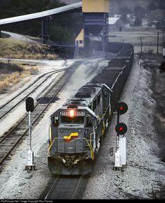 RailPictures.Net Photo: CSXT 8550 CSX Transportation (CSXT) EMD SD50 at London, Kentucky by Ron Flanary