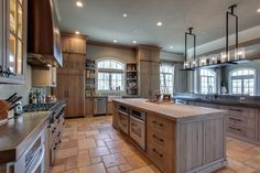 """It turns out that """"Behind Those Hazel Eyes,"""" there's a lot of real estate smarts! Songstress Kelly Clarkson just listed her sprawling Hendersonville, TN, estate for $8.75 million. The singer, who rose to fame as the first-ever winner of the reality show American Idol, bought the seven-bed, 11-bath spread back in 2013 for $2.8 million.  Located on more than 4 acres of Tennessee countryside, the waterfront estate is tucked away on a peaceful cul-de-sac. Built in 2007, the 20,000-square-foot…"""