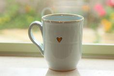 Taza grande con corazón de oro puro, taza del té, taza de cerámica, los amantes del café