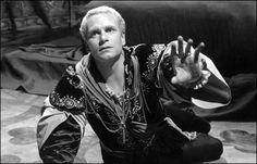 Laurence Olivier as Hamlet in 1948. The best hamlet