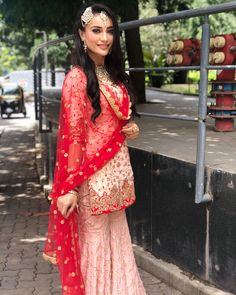 Surbhi Jyoti 's Pink Gharara🔥🔥🔥🔥 Indian Bridal Lehenga, Pakistani Bridal Wear, Indian Beauty Saree, Pakistani Dresses, Indian Dresses, Indian Outfits, Wedding Lehnga, Bridal Sarees, Wedding Wear