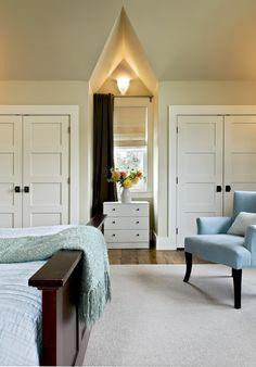 For comparison: Black round door knob & rectangular rosette on a white door