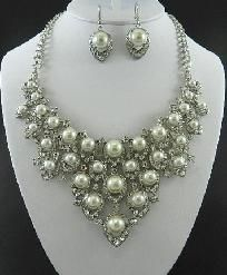 Silver Pearls Rhinestone Necklace  and Earring Set