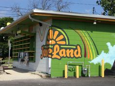 A local favorite #JuiceLand directly on MLK on your way to i35 minutes away from #PlatformATX!