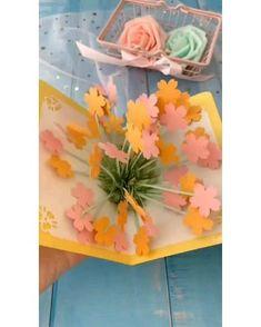 Diy Crafts Hacks, Diy Crafts For Gifts, Diy Arts And Crafts, Fun Crafts, Diy Crafts Butterfly, Flower Crafts, Instruções Origami, Paper Crafts Origami, Paper Flowers Craft