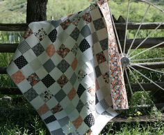 If you are a beginner quilter looking for a simple sewing project to get you started in the world of quilting, then look no further! Try quilting this Classic Checkerboard Charm Quilt. Charm Pack Quilt Patterns, Charm Pack Quilts, Jelly Roll Quilt Patterns, Charm Quilt, Quilt Patterns Free, Quilting For Beginners, Quilting Tutorials, Quilting Projects, Quilting Ideas