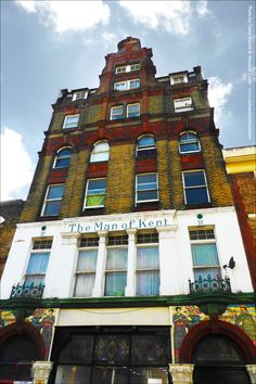 Built as a coffee tavern, The 'Man of Kent' first appears in a Margate directory in 1883. The following year it is listed under the slightly grander name of 'Man of Kent Temperance Hotel'.