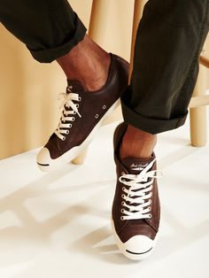 Converse  Pebbled Leather Low Top Sneakers  chocolate milk