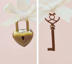 Schlüssel zu meinem Herzen Pin-Set - Hochzeit Schloss und Schlüssel Satz, einzigartige Andenken, pin Boutonnière und Strauß, Groomsmen Schlüssel, Brautstrauss Charme auf Etsy, 20,82€