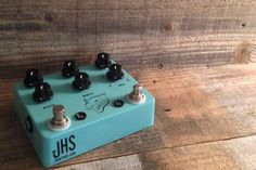 Just got some more of these bad boys in! The JHS Panther Cub is one of the best and most versatile analog delays on the market and with its sleek and masterful design will give you some of the greatest delay tones you have ever heard! Check out the Panther Cub from @jhspedal at RogueGuitarShop.com and pick your up today!  #knowyourtone #pedaloftheday #geartalk #guitarfx #toneheaven #tonetalk #tonejunky #rogueguitarshop #toneaholic #tonefordays #tonejunky #sexytone #toneme #toner #gottone…
