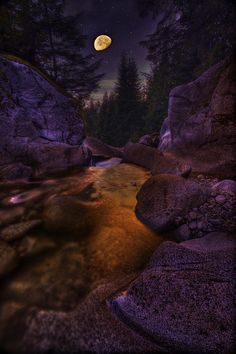 ✮ Moon Over Humphrey Falls - Canada - Beautiful Pic!