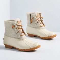 16 Pairs of Winter Boots You Can Totally Wear to Work - Shoes - Schuhe Women's Shoes, Shoes 2018, Cute Shoes, Converse Shoes, Ankle Boots, Fashion Looks, Fashion Black, Trendy Fashion, Fashion Ideas