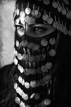 A woman wearing an Egyptian Burka, her culture sees it as beautiful. Beautiful Eyes, Beautiful World, Beautiful People, We Are The World, People Around The World, Foto Art, World Cultures, Headdress, Headpiece