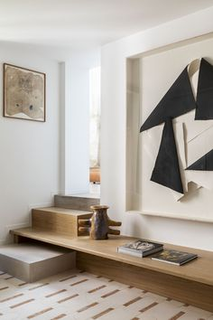 10 innovative architectural ideas for small-space living that maximise every square metre Small Space Living, Small Spaces, Interior Architecture, Interior And Exterior, New Staircase, Showcase Design, Wabi Sabi, Elle Decor, Floating Nightstand